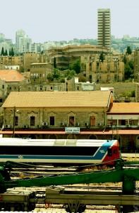 תחנת הרכבת מזרח בעיר חיפה - תחנת הרכבת הישנה של העיר - צילום: אפי אליאן