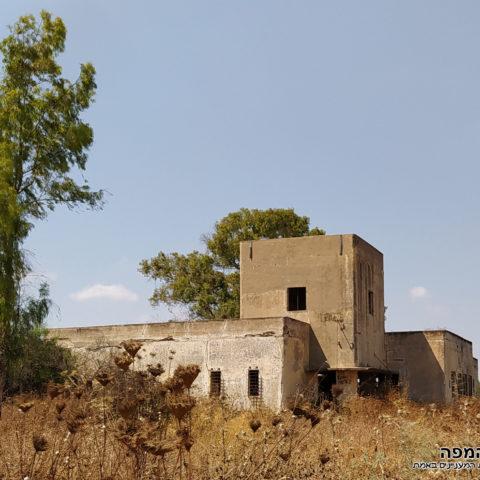 מבנה משטרת באטאני מדרום לצפון - צילום: אפי אליאן