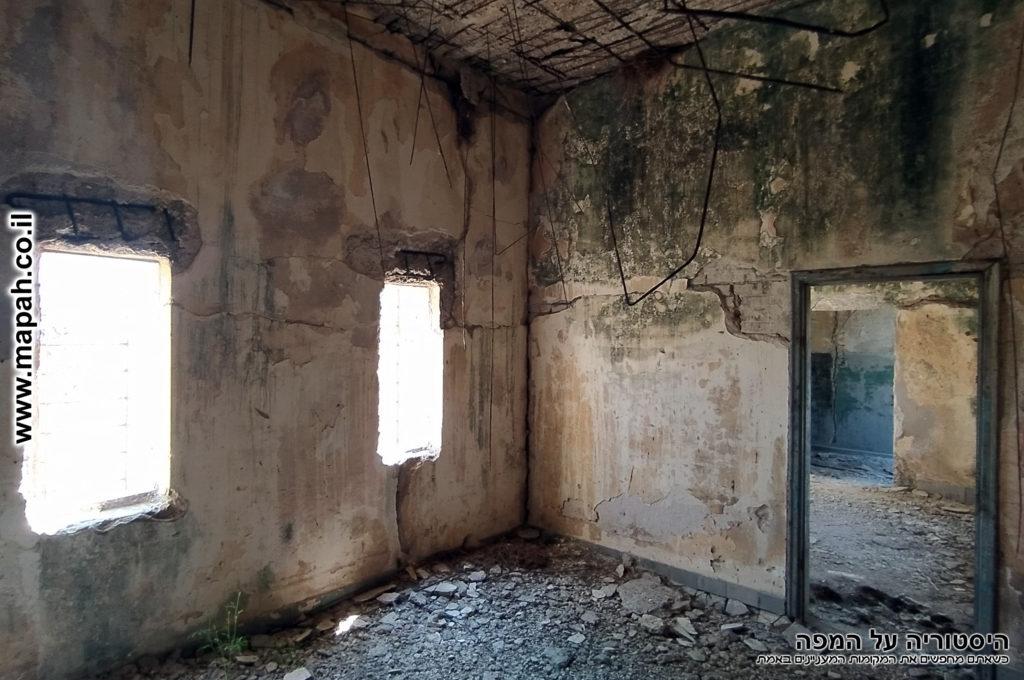 חדר המנוחה במשטרת באטאני - צילום: אפי אליאן
