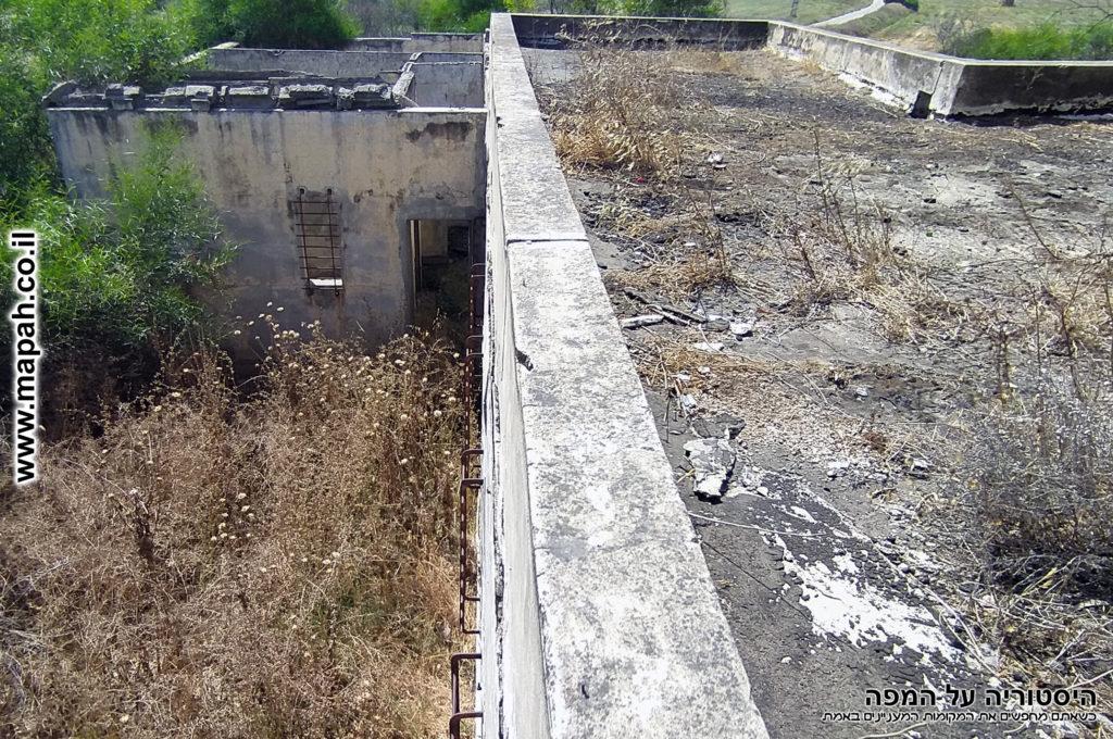 מעמדת השמירה על גג התחנה למערב - צילום: אפי אליאן