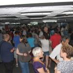 הקהל הרב שהגיע לסיור במעמקי דיזנגוף סנטר - צילום: אפי אליאן