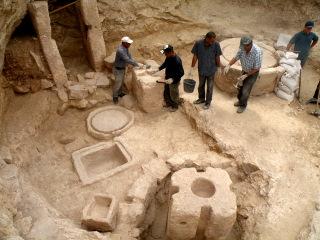 חשיפת בית הבד בשכונת קייזר במודיעין - צילום: אתר רשות העתיקות