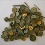 140 מטבעות זהב עתיקים שנמצאו ליד קרית גת - צילום: רשות העתיקות