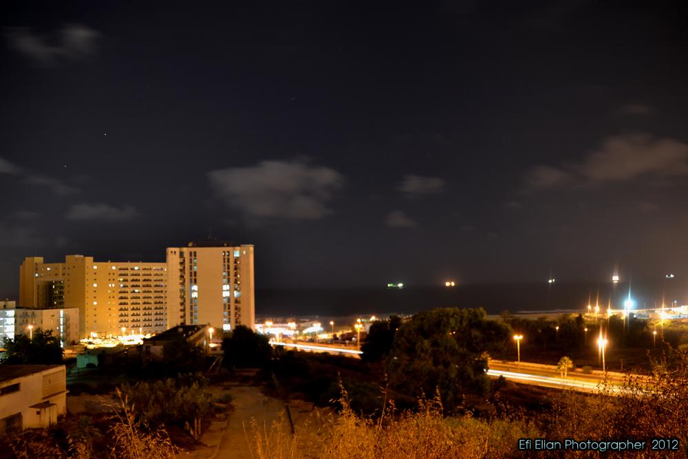 מבט לעבר מזרח - מתחם רביבו ובניני המגורים ממול - צילום: אפי אליאן