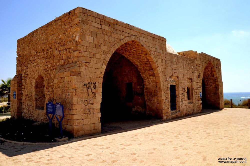 מבט ממזרח למערב לעבר אחוזת הקבר של השיח עוואד