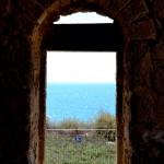 מבט למי הים התיכון מחלקו המערבי של קבר השיח
