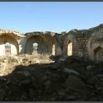 מבט ממערב למזרח לפנים המסגד