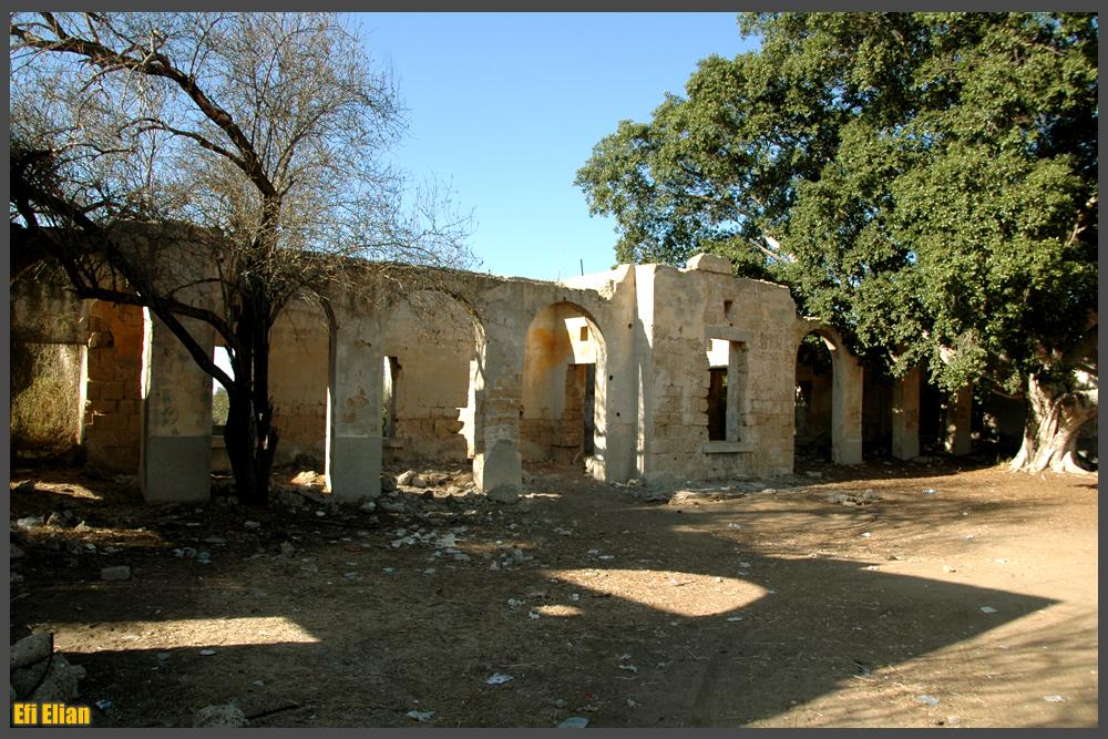 מבנה החאן שהוקם בכפר איסדוד בתקופה העותמנית