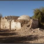חלקו המזרחי המתפורר של קבר השיח אבו אל קאבל
