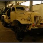 משאית ועגלת משגר טיל נגד מטוסים שנלקח שלל