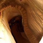 מדרגות לבטן האדמה במערת מאגר מים בבית גוברין