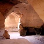 חיבור בין מערות פעמון מרשימות בגן הלאומי בית גוברין