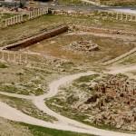 שרידי מבנה ובריכה עתיקה שנחשפו בסמוך להרודיון
