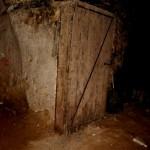 אחת מדלתות מרתפי היקב המקוריות במקוה ישראל