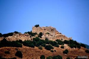 חלקו הצפוני של מבצר נמרוד ממבט תחתון
