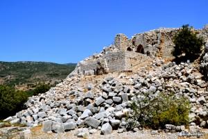 מפולת אבני החומות העתיקה של קלעת נמרוד וחלקו המערבי