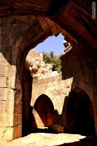 הארמון היפה שעל מצודת נמרוד , נבנה בתקופתו של ביברס