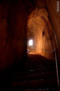 הדרך המובילה למנהרת הסתרים במצודת נמרוד