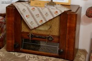 רדיו מנורות ישן - מוזיאון מזכרת בתיה