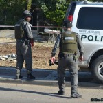 חבלני משטרה ואנשי משמר הגבול תוחמים את שטח הבניין בקרית מלאכי
