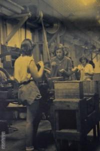 תמונה מקורית מפעילותו של מפעל התחמושת במכון איילון