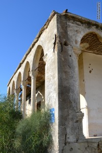 מבנה בית הקשתות הסמוך לקיבוץ זיקים
