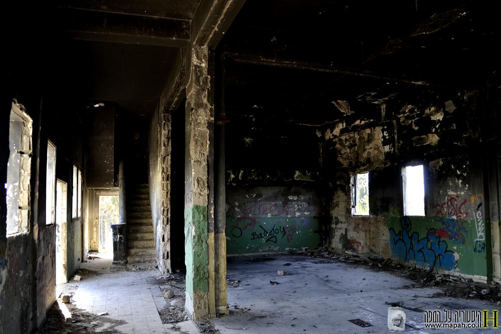 פנים הקומה הראשונה במפקדת חסן סלמה - צילום: אפי אליאן