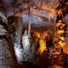 בעת שדרוג התאורה במערה, הקפידו על גוונים שונים לתאורה - צילום: אפי אליאן