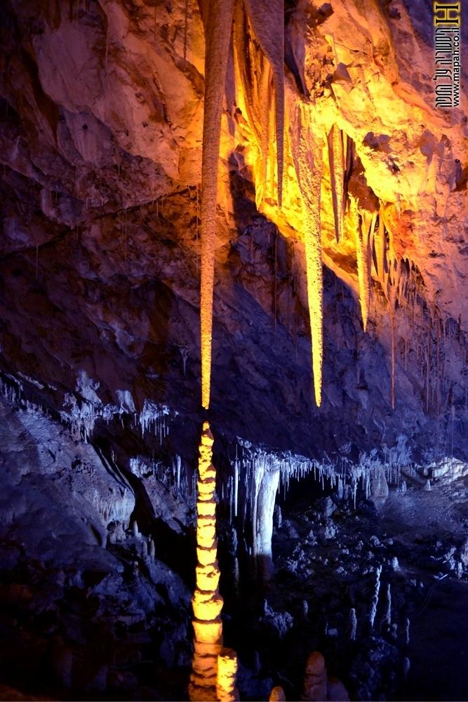 האם ייפגשו יום אחד? רומיאו ויוליה במערת הנטיפים - צילום: אפי אליאן