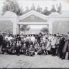 תצלום קבוצתי של אנשי פרדס מינקוב בתחילת המאה העשרים - צילום רפרודוקציה: אפי אליאן