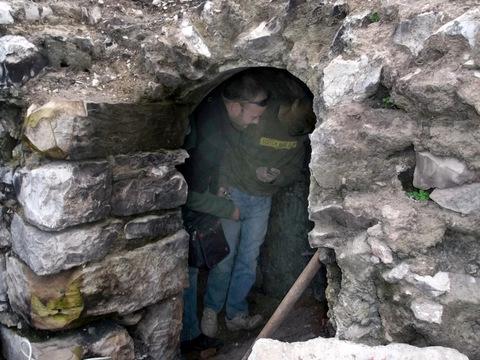 שודדי קברים נתפסו בנחל קדרון - צילום באדיבות היחידה למניעת שוד עתיקות ברשות העתיקות