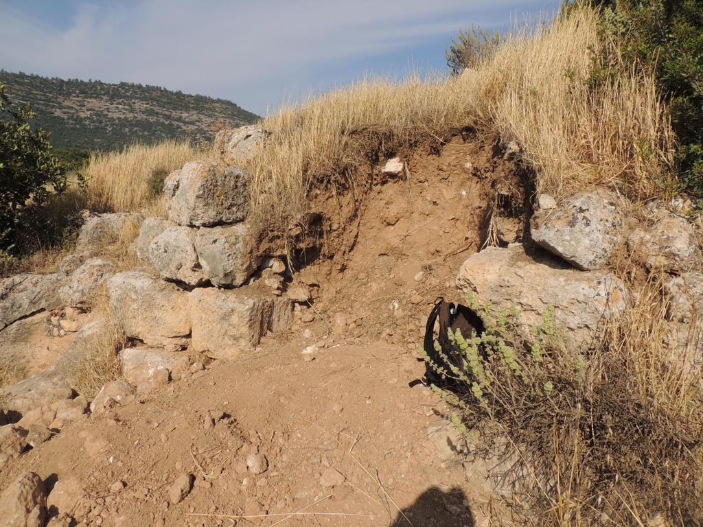 ההרס שגרמו השודדים למבנה ביזנטי עתיק בחורבת בוהן. צילום: באדיבות רשות העתיקות
