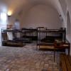 חדר אסירים ממנו נחפרה מנהרה ונמלטו החוצה - צילום: אפי אליאן