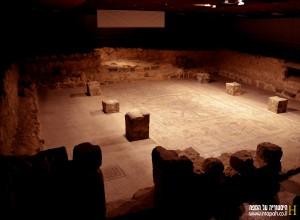 היכל בית הכנסת בבית אלפא - צילום: אפי אליאן