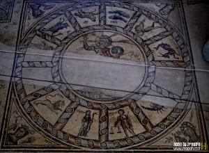 גלגל המזלות כפי שנחשף בבית הכנסת בטבריה - צילום: אפי אליאן