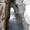 מנהרה בשרידי חומת העיר העתיקה בתל אשקלון - צילום: אפי אליאן