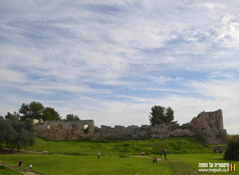 צידה המערבי של מצודת אנטיפטרוס - צילום: אפי אליאן