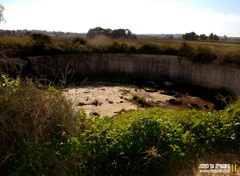 שרידי מאגר מים דרומית לגבעות מר'ר - צילום: אפי אליאן