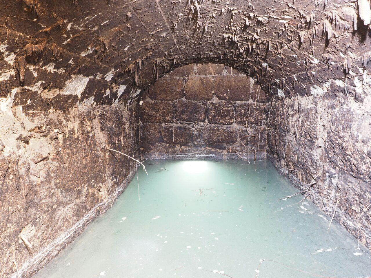 מאגר המים אשר שימש, להערכת החוקרים, לאגירת עודפי המים מהבאר. צילום: אסף פרץ