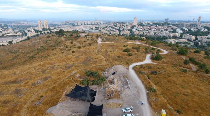 מצבור תכשיטים עתיקים נחשפו בין שרידי מצודה צלבנית במודיעין