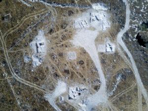 2. שטח המבנה הגדול שנחשף, יתכן שמדובר במקדש או ארמון. צילום אווירי: דאיין קרישטנסן