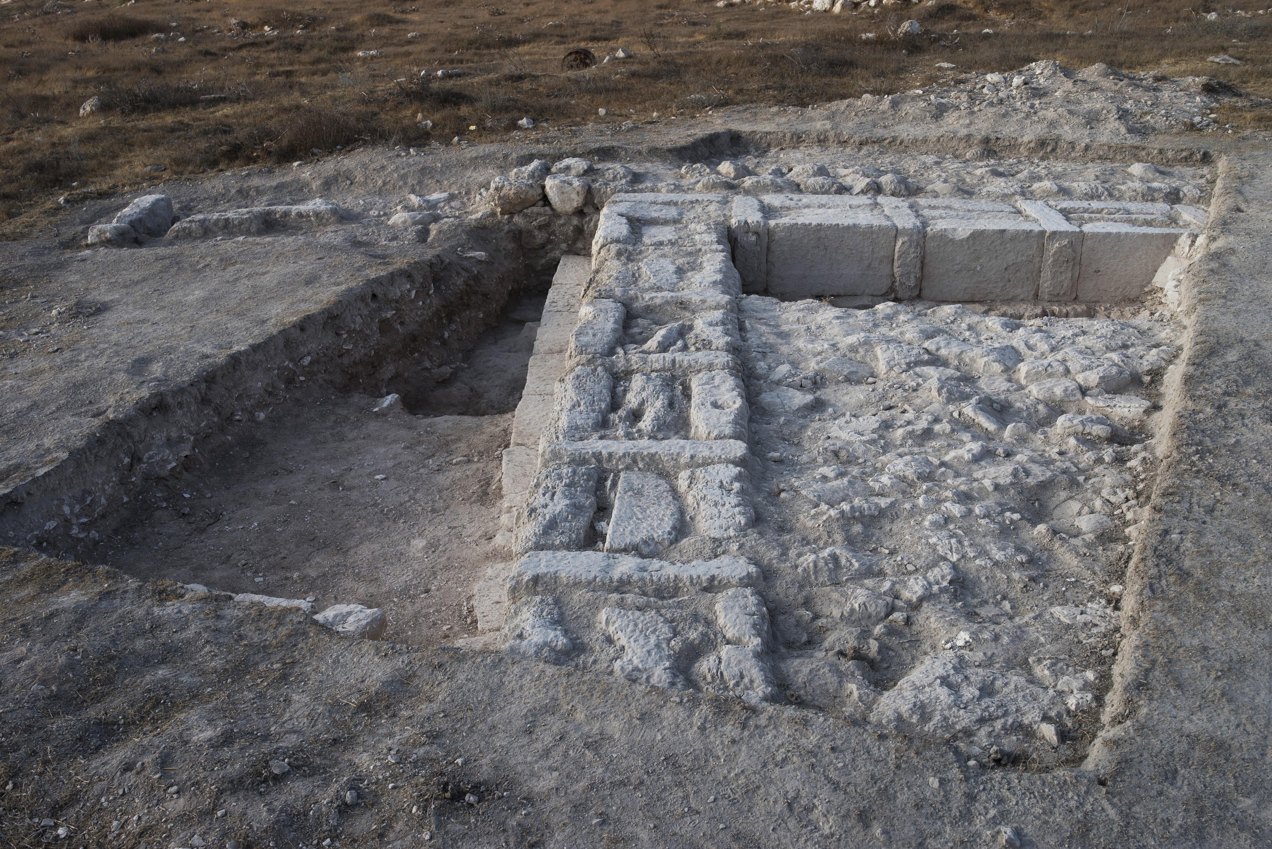 שרידי המבנה. צילום: דאיין קרישטנסן