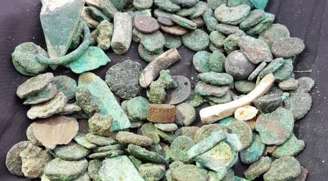 שודד עתיקות נתפס בחורבת חלוצה שברשותו כ-150 מטבעות עתיקים בני כ-1500 שנה