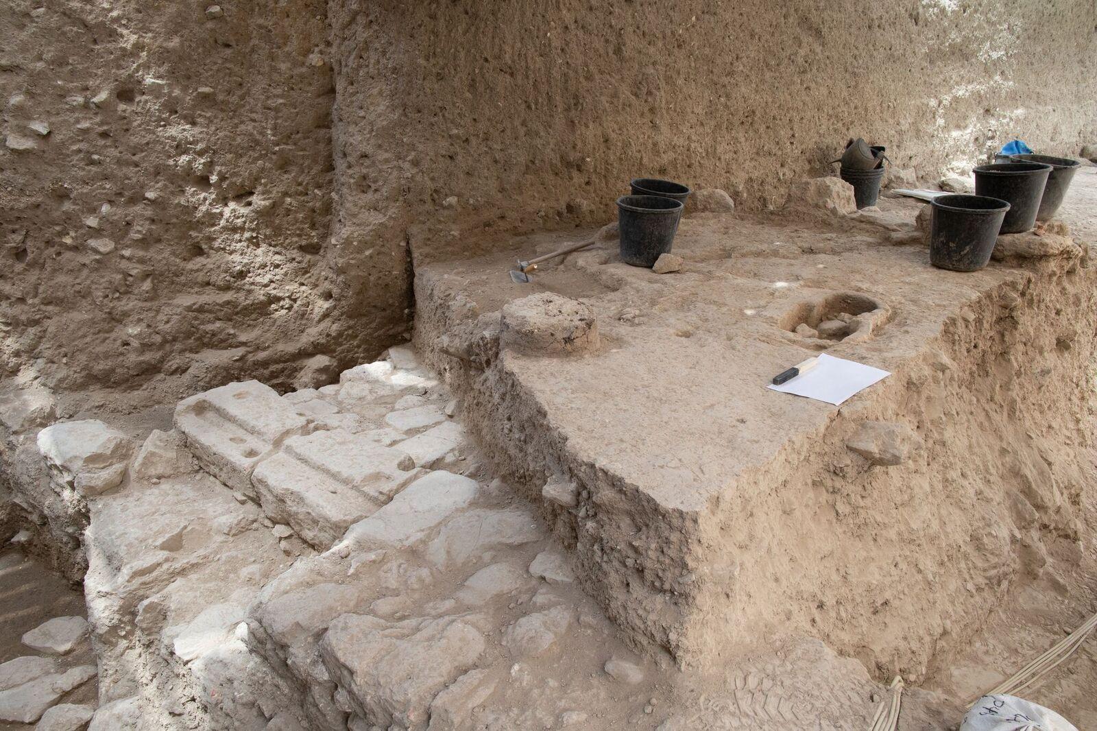 שטח החפירה בו נמצא הקמע - צילום: אליהו ינאי - עיר דוד
