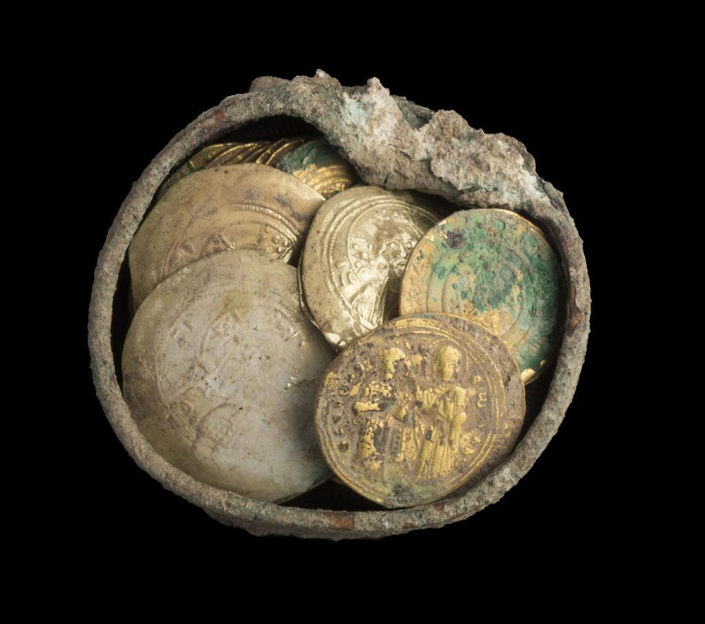 המטמון. צילום: קלרה עמית, רשות העתיקות