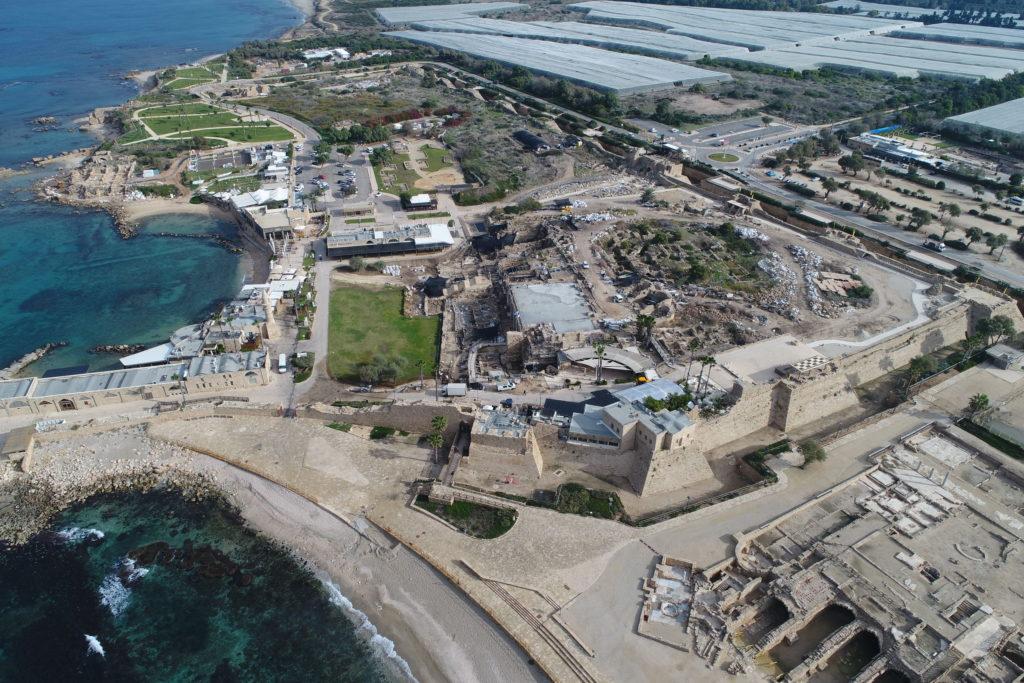 תמונות אוויריות של נמל קיסריה. צילום: יעקב שמידוב