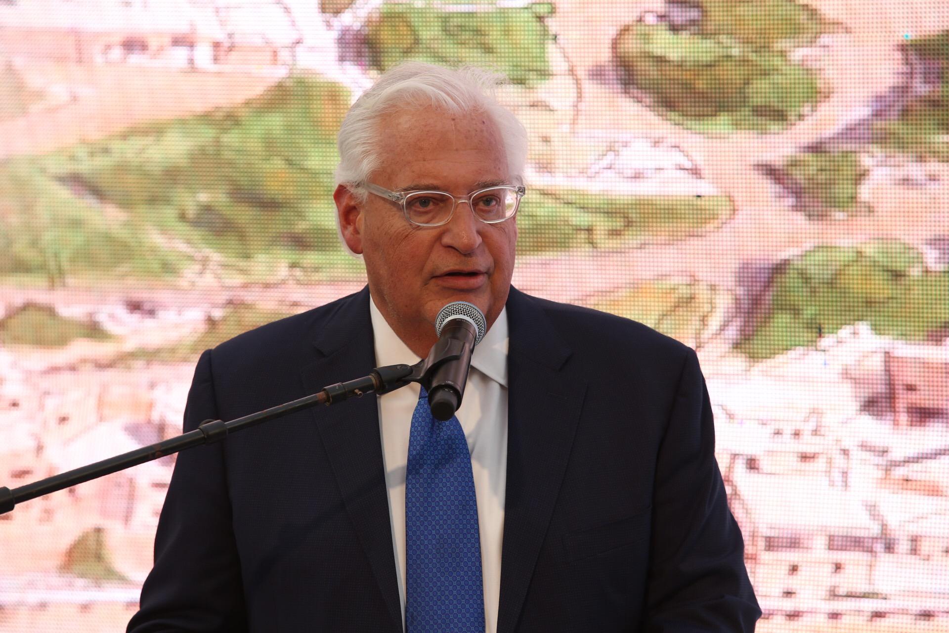 """שגריר ארה""""ב בישראל, דיויד פרידמן, היום באירוע חנוכת הרחוב. צילום: רונן טופלברג"""