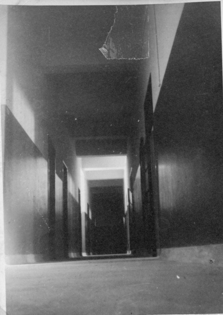 מסדרון הקומה הראשונה במשטרת חברון - מקור: ארכיון המדינה