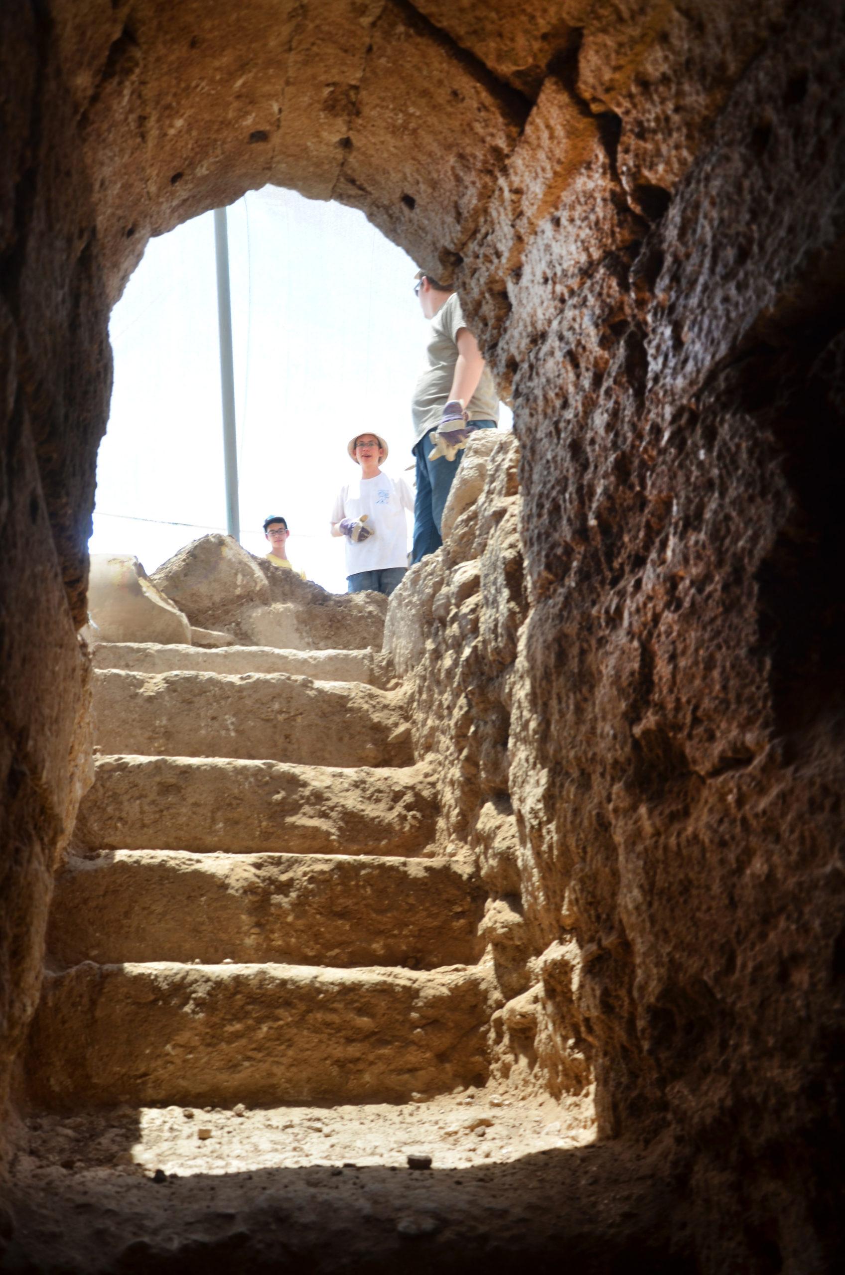גרם המדרגות של הקריפטה – מבט מבפנים. צילום: יולי שוורץ
