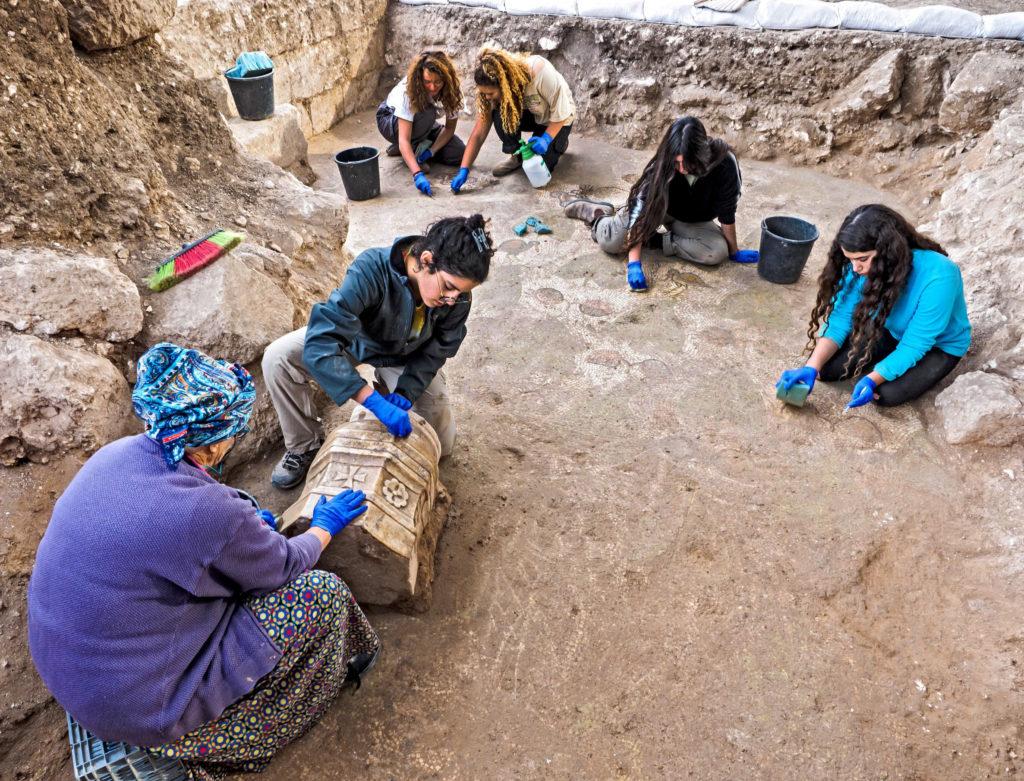 אלפי בני נוער השתתפו בחפירה במהלך 3 השנים האחרונות. צילום: אסף פרץ